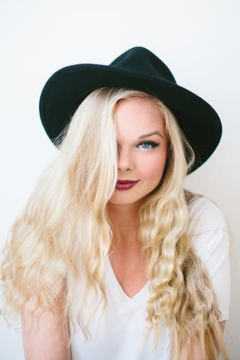 Kylie Odetta Shows us all How to Deal With Bullying By Singing & Writing! - dHarmic Evolution Podcast